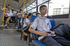 温州17辆学生公交车将加装安全带(图)