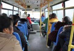 眉山东�区:城乡公交一体化 群众出行更方便