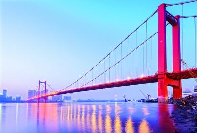 武汉鹦鹉洲长江大桥通公交要等2015年元旦以后图片