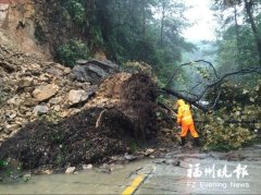 福州公交线路今或大部分恢复 各地全力抢修塌