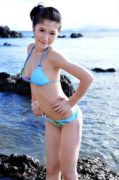 清纯少女海边清凉写真