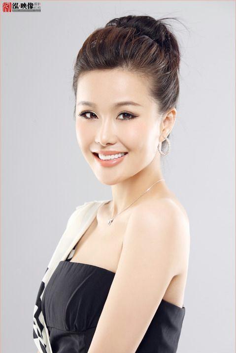 北京台女主播优美笑容好气质