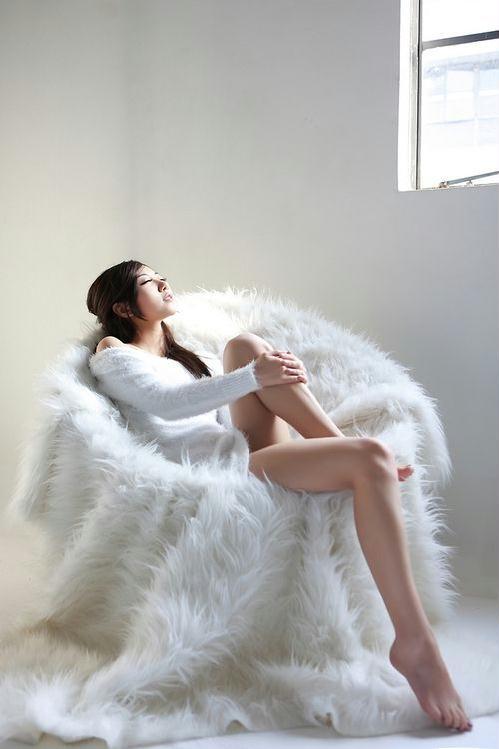 纯白的绝美诱惑 美女校花清纯写真