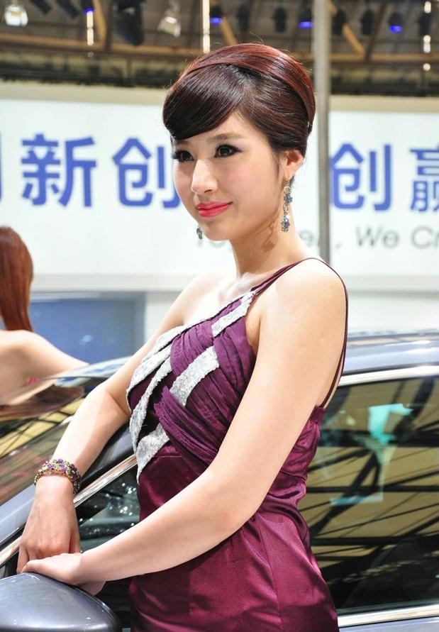 2011年上海大众车展2号顶级车模