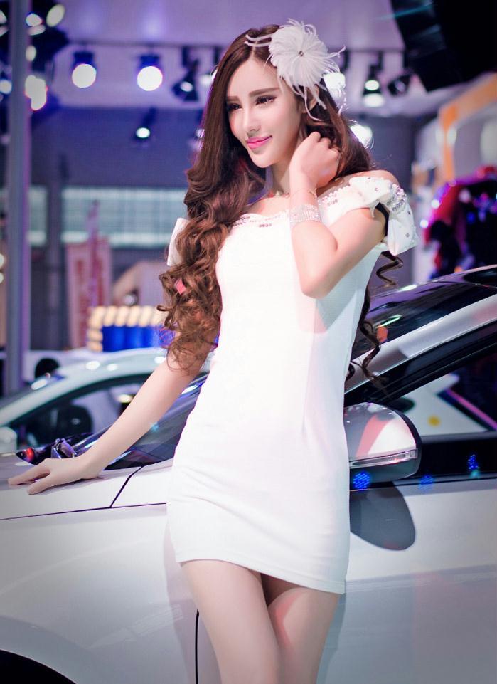 2014沈阳车展上的极品车模