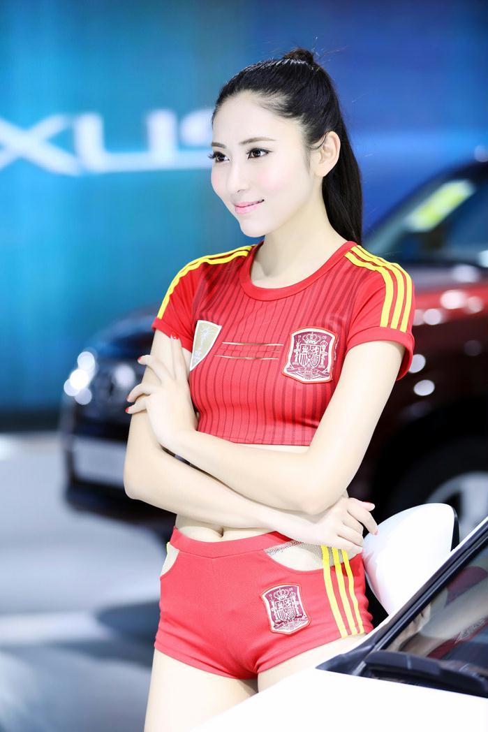 2014北京车展香车美女爆棚