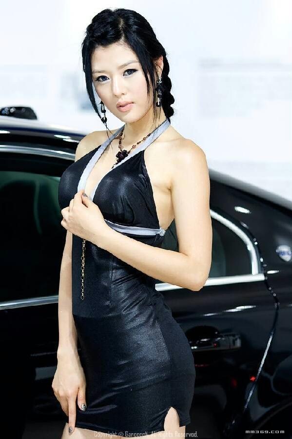 韩国绝色车模黄美姬写真