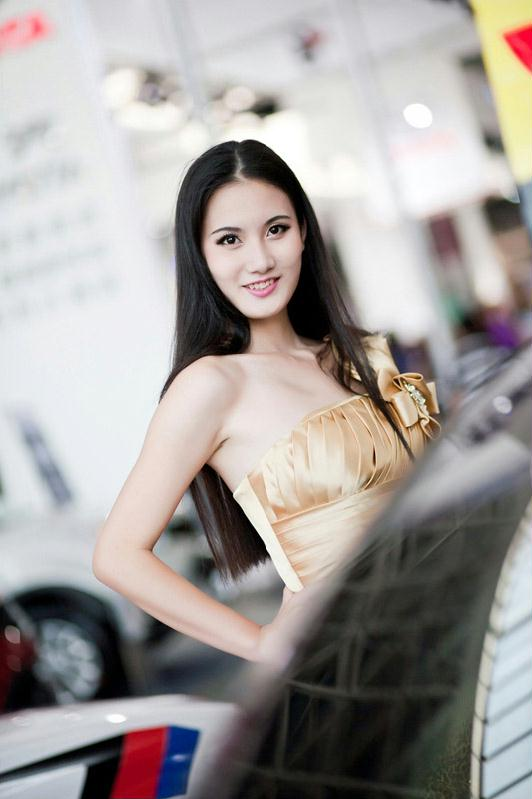 2014广西南宁车展美女齐亮相