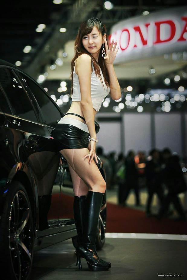 韩国车模崔玉珍的写真