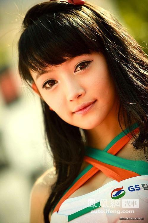 号称小周迅的韩国美女车模