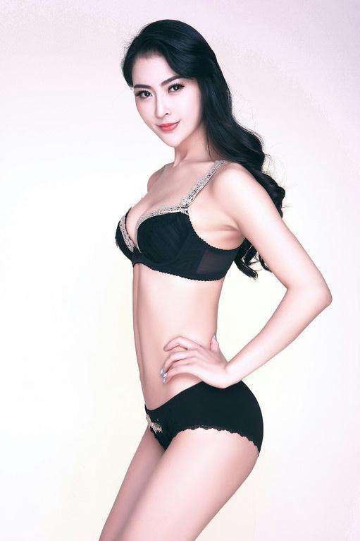 美女模特吴丹天生高贵丽质