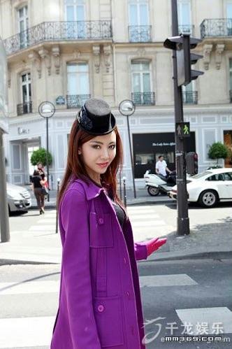 巩新亮巴黎拍摄时尚大片