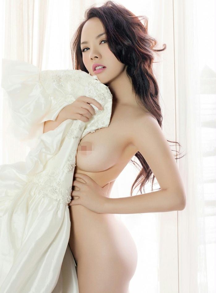 大胸美女娇娇人体艺术摄影