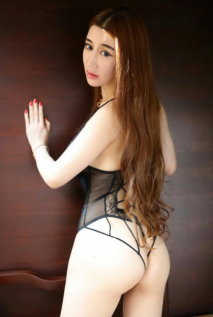 人体艺术模特陆瓷翘臀内衣代言照片