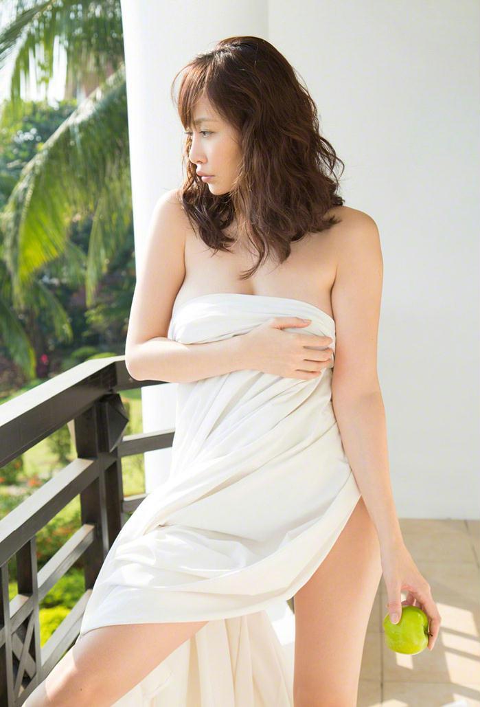日本美女杉原杏璃性感旅拍套图