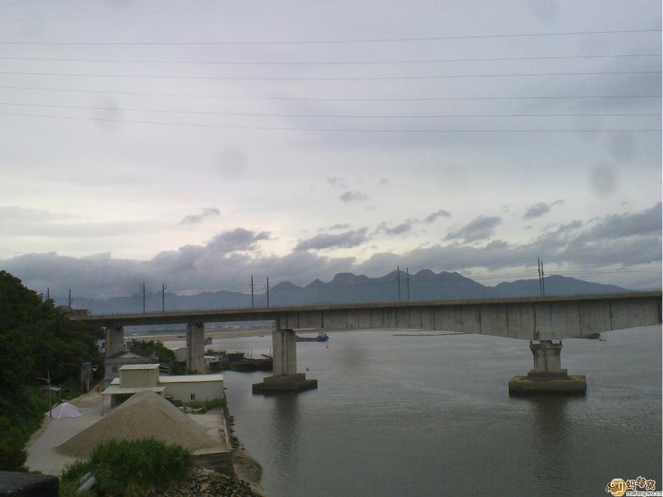 乌龙江第一大桥