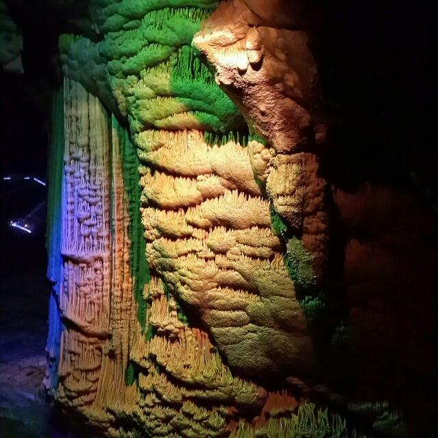 临安瑞晶石花洞
