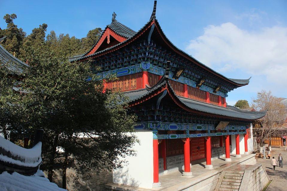 【游天下】在云南丽江大研古镇上玉龙雪山下拍到的许愿风铃