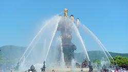 九龙灌浴广场