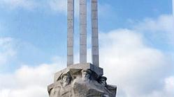 三总兵塑像